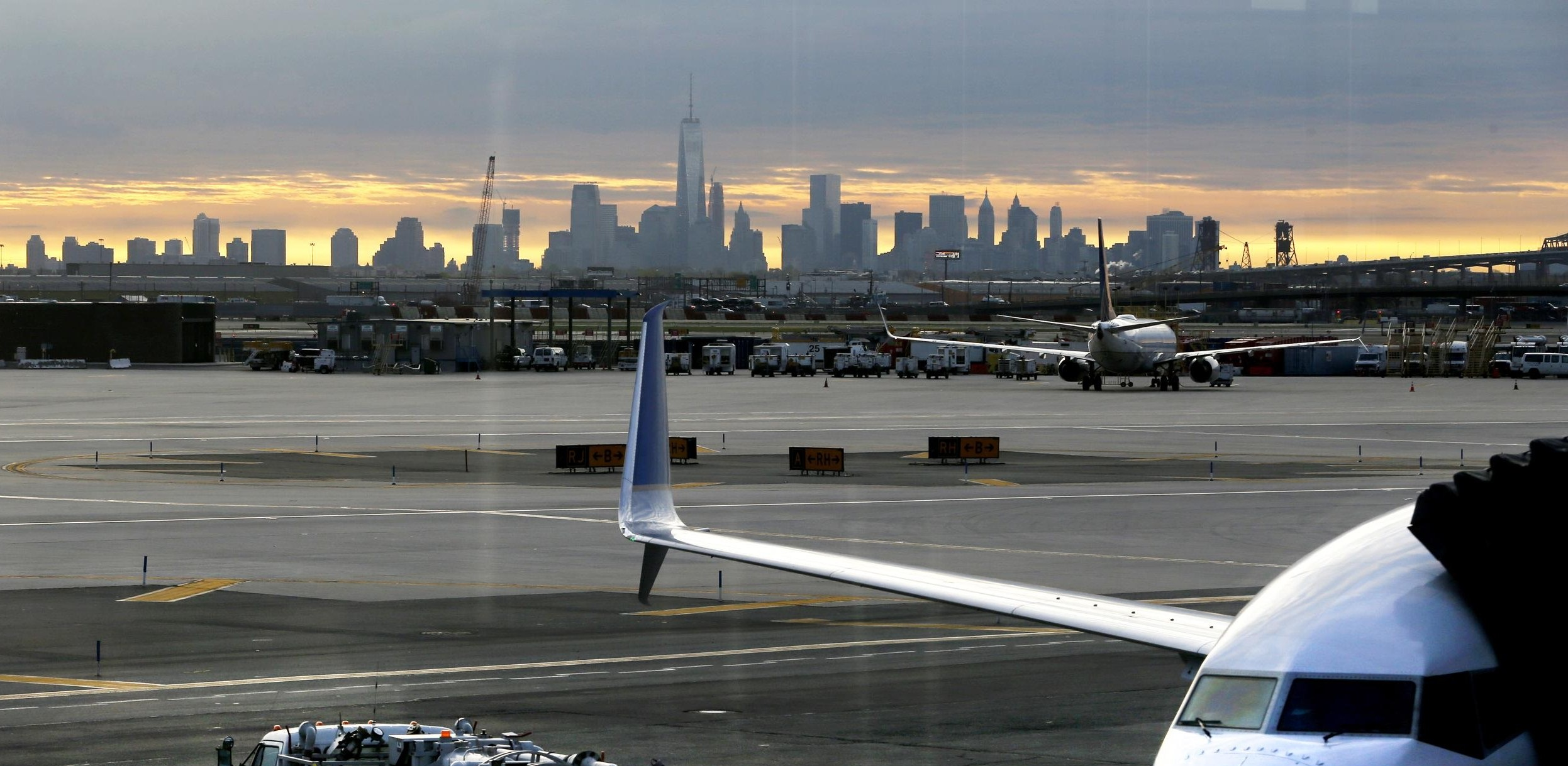 Newark-Airport-Car-Service to Manhattan New-York-City